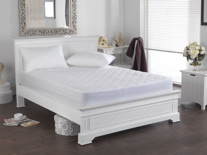 200TC Cotton Mattress Protector with Skirt