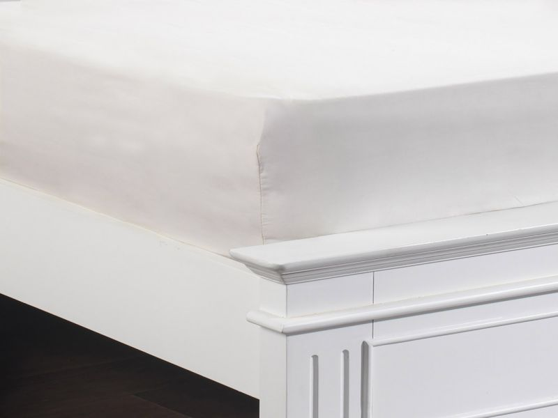 100% Cotton 200 TC Fitted Sheets in White