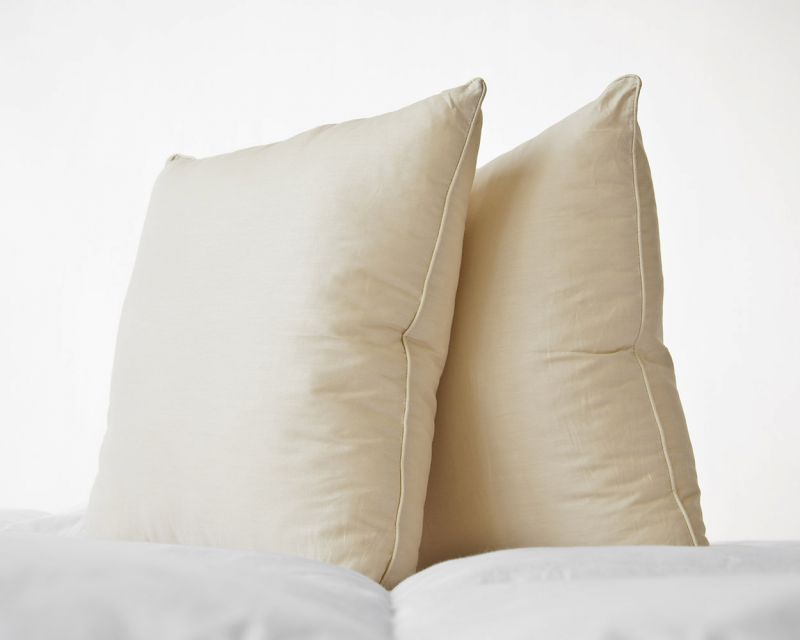 "100% Cotton Pastel Yellow Percale Cushion Pad with Piped Edge | 26"" x 26"""